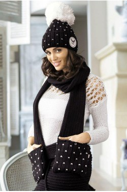 Kamea Krappa scarf